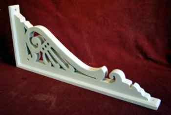 Victorian framed exterior bracket